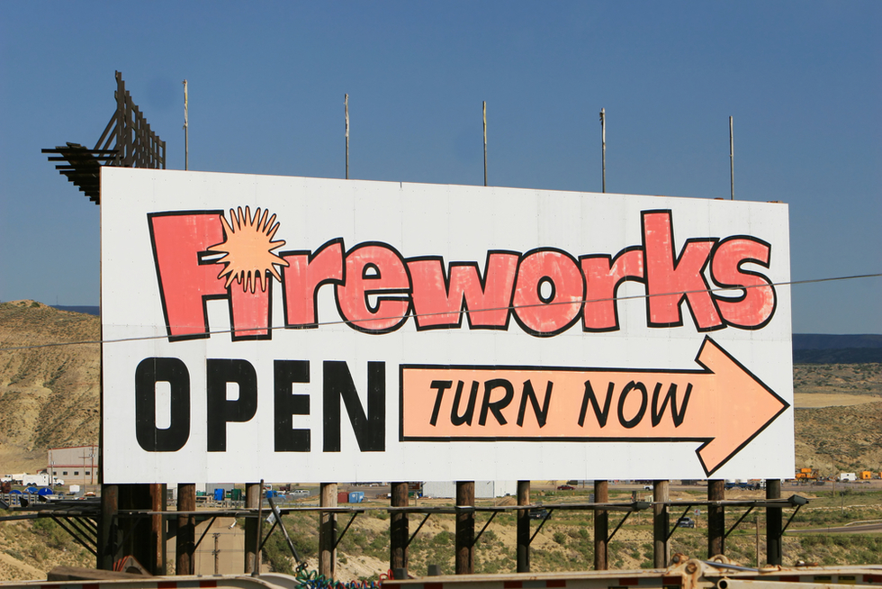 Sign-advertising-fireworks-for-sale