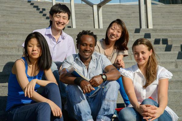 Multicultural 20students 20steps