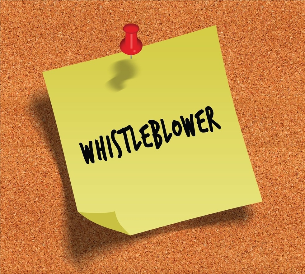 Post-it-reading-whistleblower