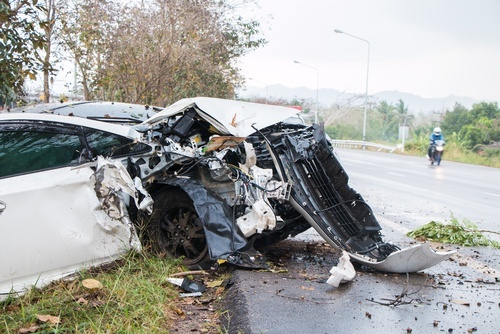 Lawsuits for auto accidents and injuries caused by road debris