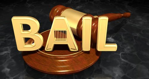 bail graphic next to judge's gavel