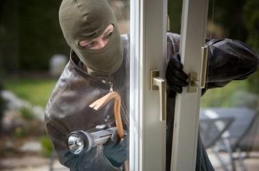 Img-masked-burglar