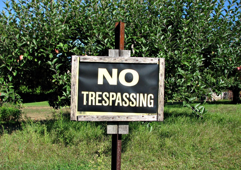 Img no trespassing