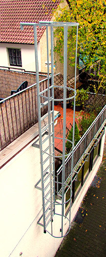 an example of a caged fixed ladder