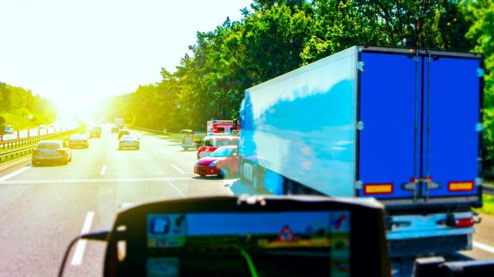 Semi truck accident car ontario