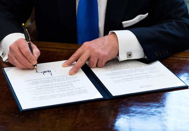 Pres signing bill