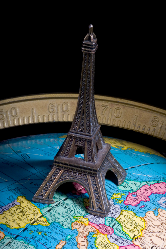 Globe 20with 20eiffel 20tower