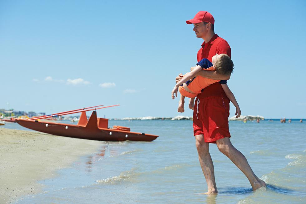 Lifeguard 20drowning 20child