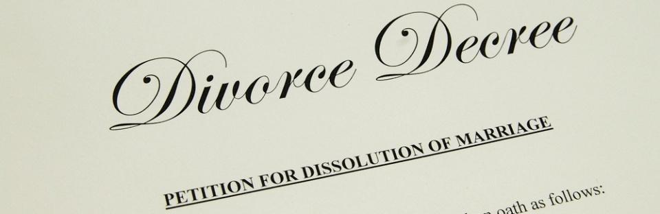 Divorcedecreeshutterstock_58750606