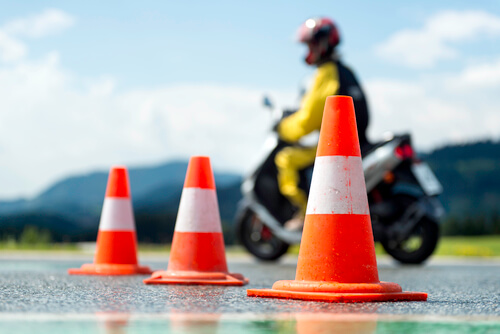 New motorcyclist uses training course
