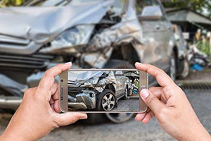 Why Should You Hire a Car Accident Injury Lawyer?