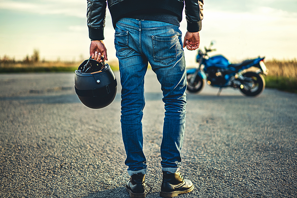 helmet laws and motorcycle accidents