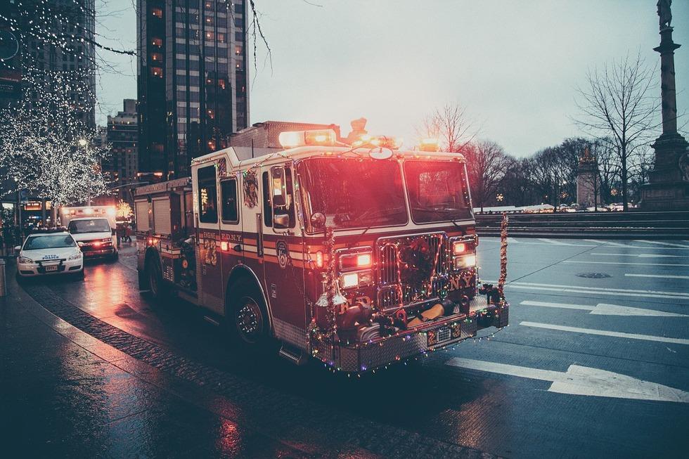 Fire truck 923240 1280