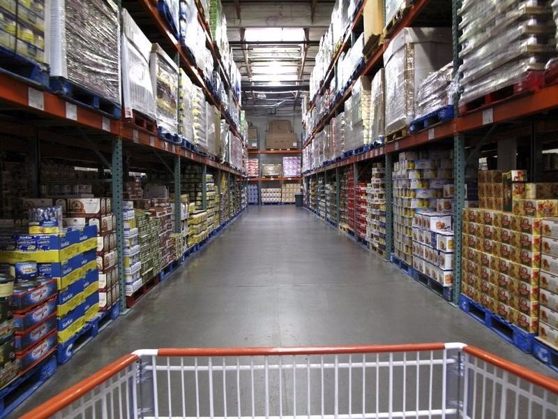 Us-wholesale-inventories-rise-more-than-expected-2015-7