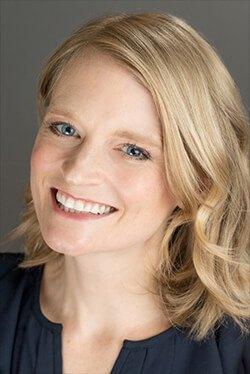 Andrea robertson headshot