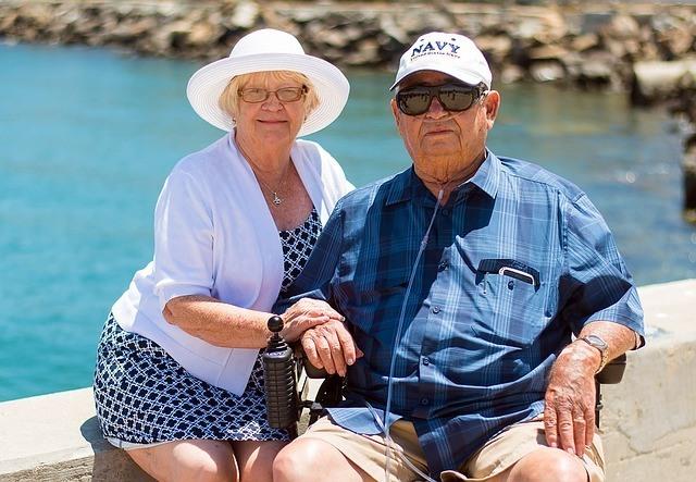 Grandparents 1054311 640