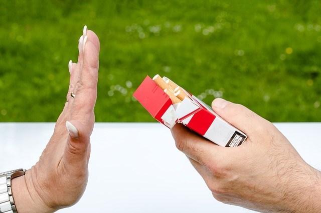 Non smoking 2383236 640