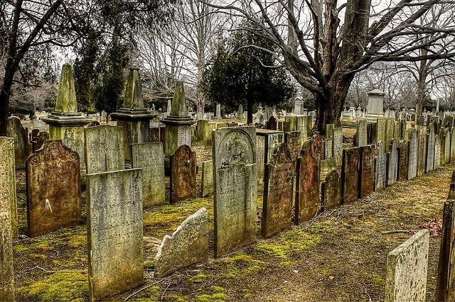 Cemetery 2650712 640