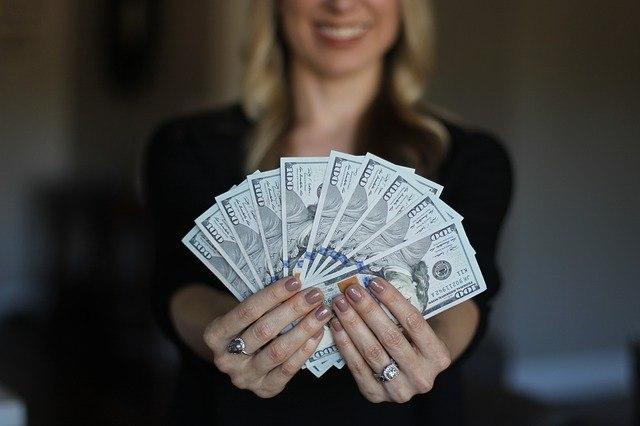 Dollar 20bills 20fanned 20out