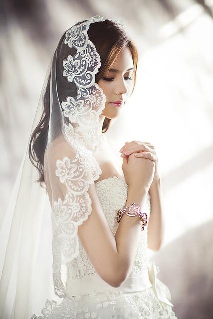 Wedding dresses 1486256 640 20%281%29