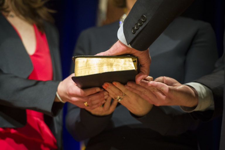 Court bible 768x512