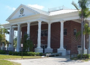 Labelle fl city hall01 300x218