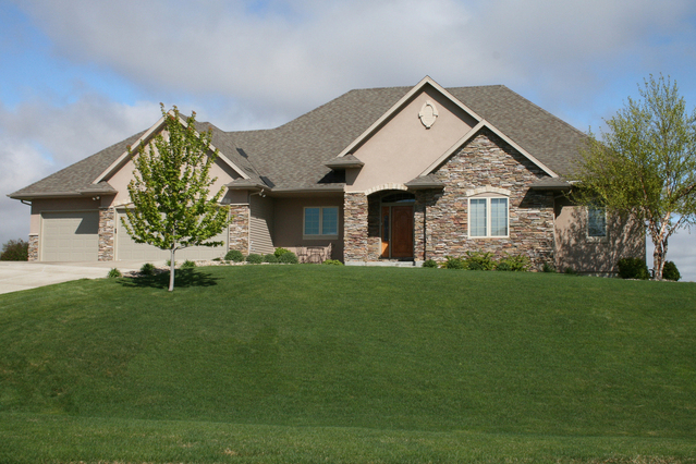 Rock-front-stucco-ranch-1205240-639x426