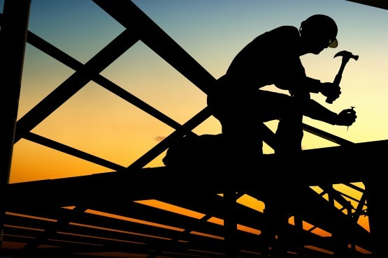 Construction worker shutterstock e1382708425901 555x370