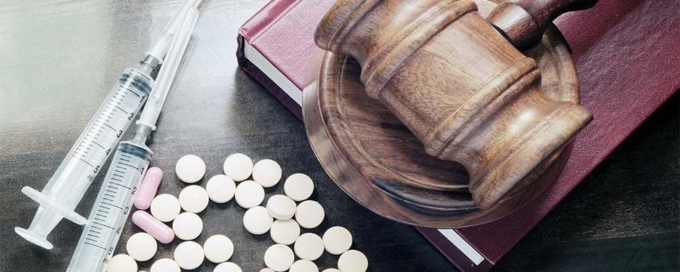 Pills gavel