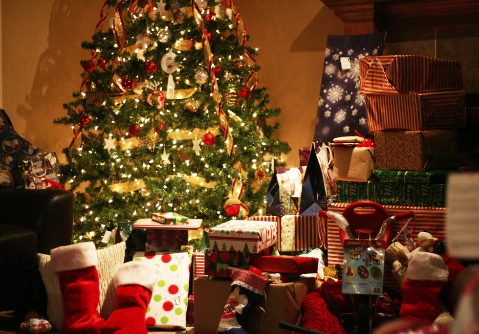 Christmas 20presents 20under 20tree