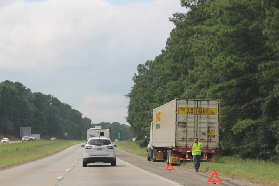 macon-car-accident-lawyer-truck-wreck