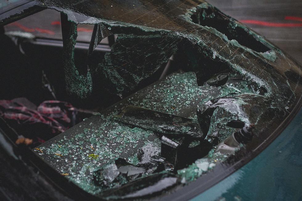Accident automobile broken 2265634