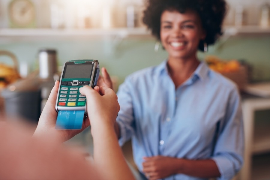 I am a waiter. can the restaurant subtract credit card processing fees from my tip