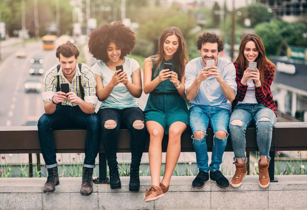 Millennials mobile bbva 1024x702