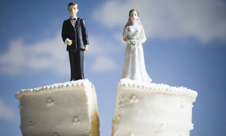 Does divorce decree nullify life insurance policy