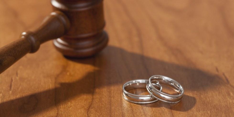 O gay divorce facebook