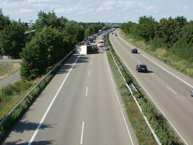 Autobahn 837643 640