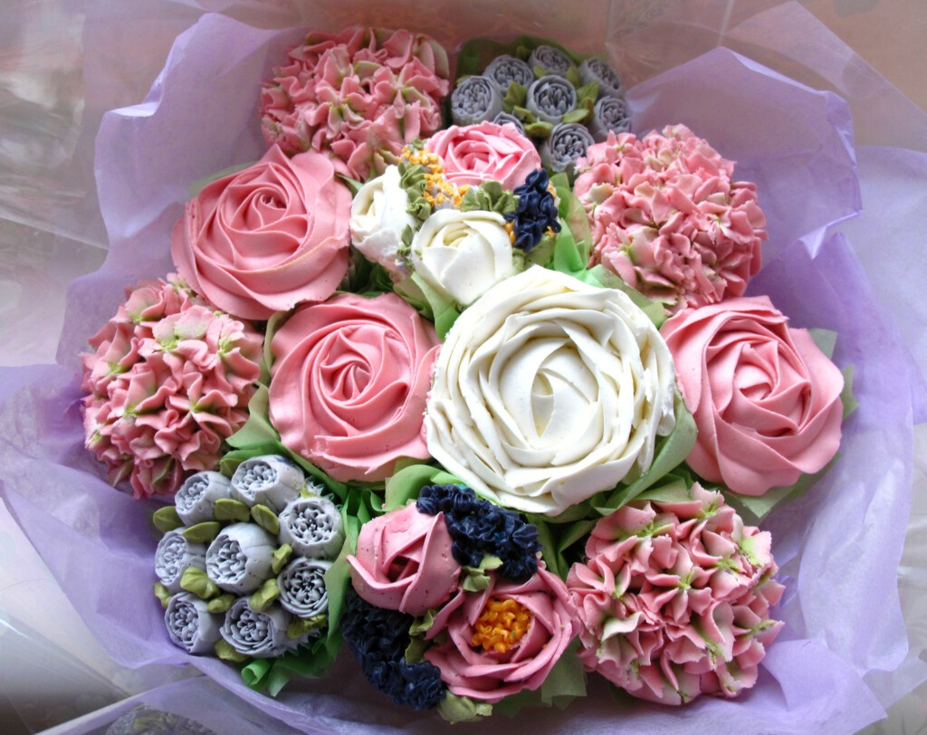 Cupcake bouquets available to order le beau cake another gorgeous le beau cake cupcake izmirmasajfo