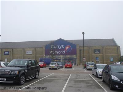 Currys Harrogate Opening times, HG2 7LD Hookstone Chase. Closed Currys PC World featuring Carphone Warehouse Harrogate. Office hours: Closed Open. Day Currys PC World featuring Carphone Warehouse Leeds (Guiseley) Leeds, Unit 7B Westside Retail Park, Leeds .