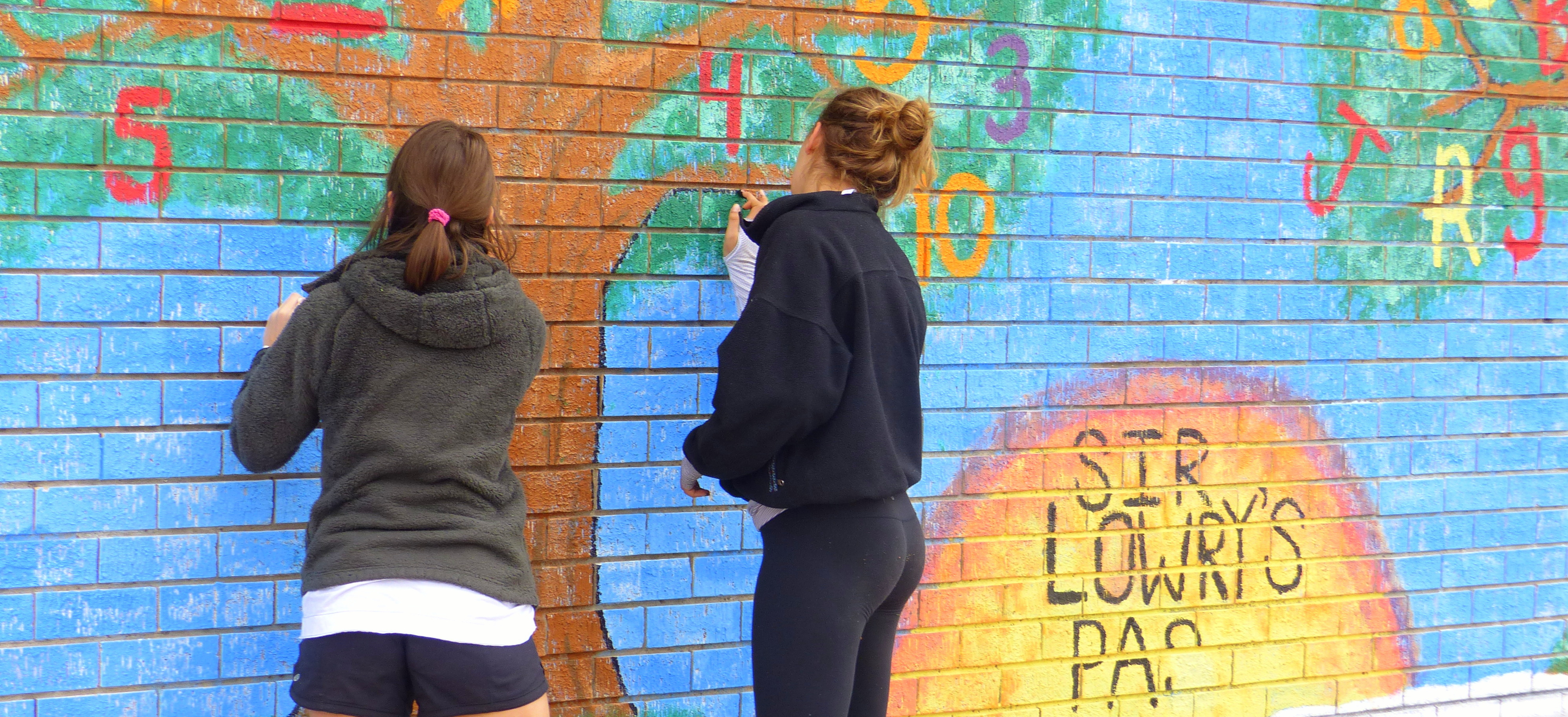 Mural painting in Sir Lowry's Pass