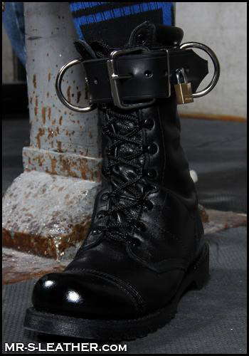 leather boots in Dudley 28333
