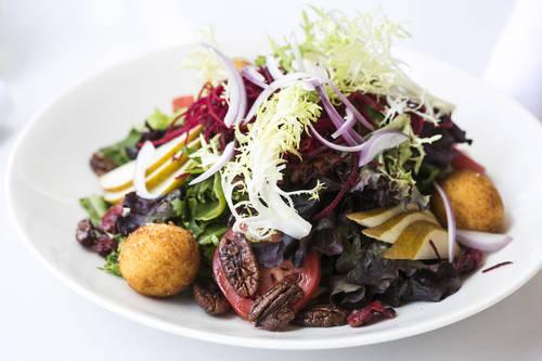 Cafe salad  [EVE EDELHEIT  |  Times]