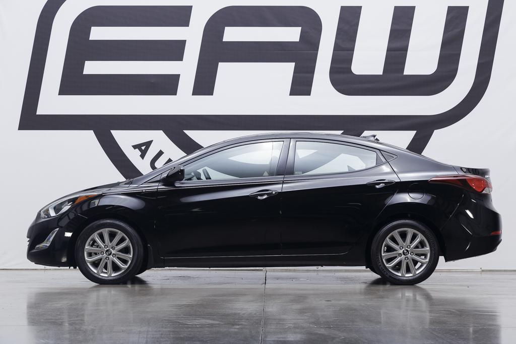 2016 Hyundai Elantra SE image