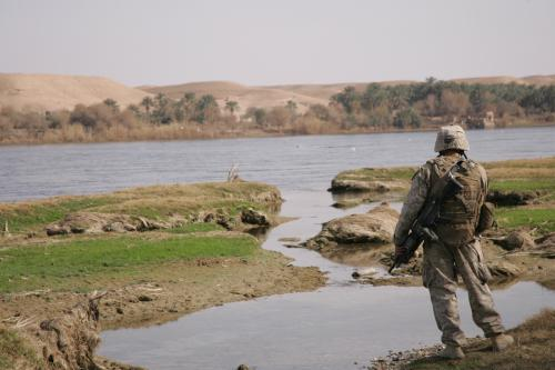 Iraq_Euphrates_Soldier.jpg