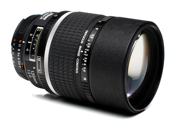 Nikon 135mm f 2d af dc