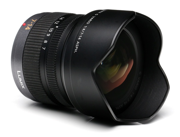 Panasonic 7 14mm f 4 %28for micro 4 3%29