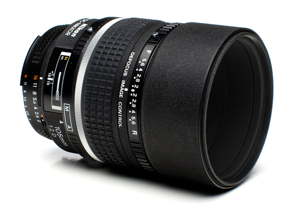 Nikon 105mm f 2d af dc