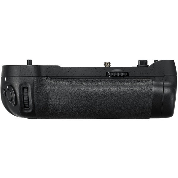 Nikon mb d17 multi power battery pack