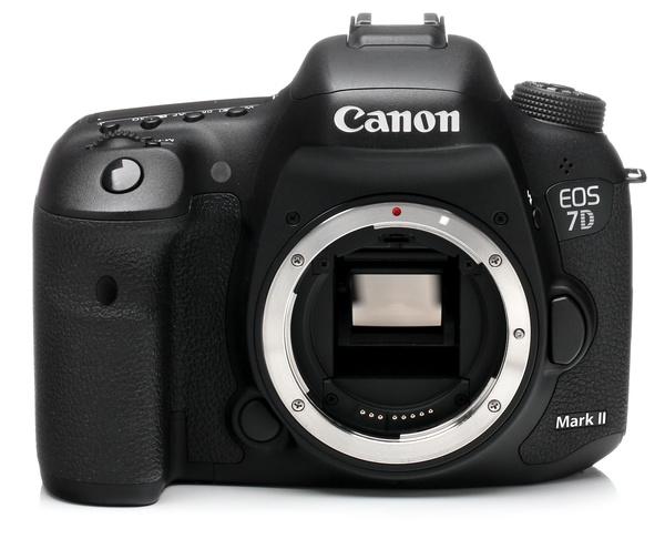 Canon eos 7d mark ii camera