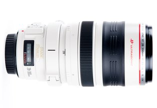 Canon 28-300mm f/3.5-5.6L IS